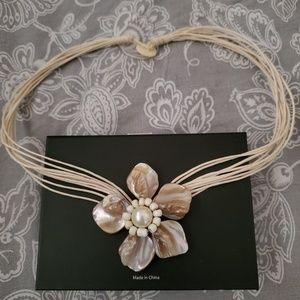 Sea Shell Choker Necklace.